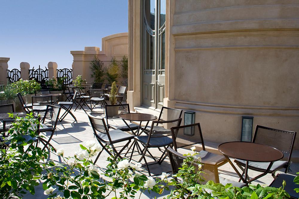 terraza Hotel Esplendor Savoy Rosario loqueva