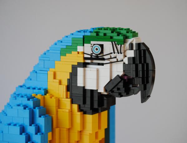 Felix Jaensch animales hechos con LEGO loqueva