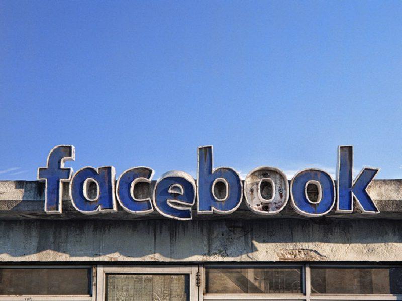 Andrei_Lacatusu_redes_sociales_apocalipsis_google_facebook_instagram_twitter_Tinder