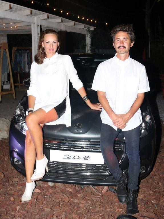 Cata Spinetta y Nahuel Mutti en Peugeot Music Driven en La Casita, en Punta del Este