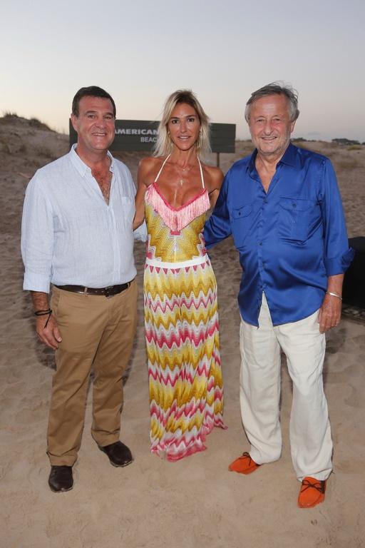 Henry Seeber, Presidente y Gerente General de American Express Argentina_ Gabriela Castellani y Cristiano Ratazzi, Presidente de Fiat Argentina en el parador American Express Beach Club