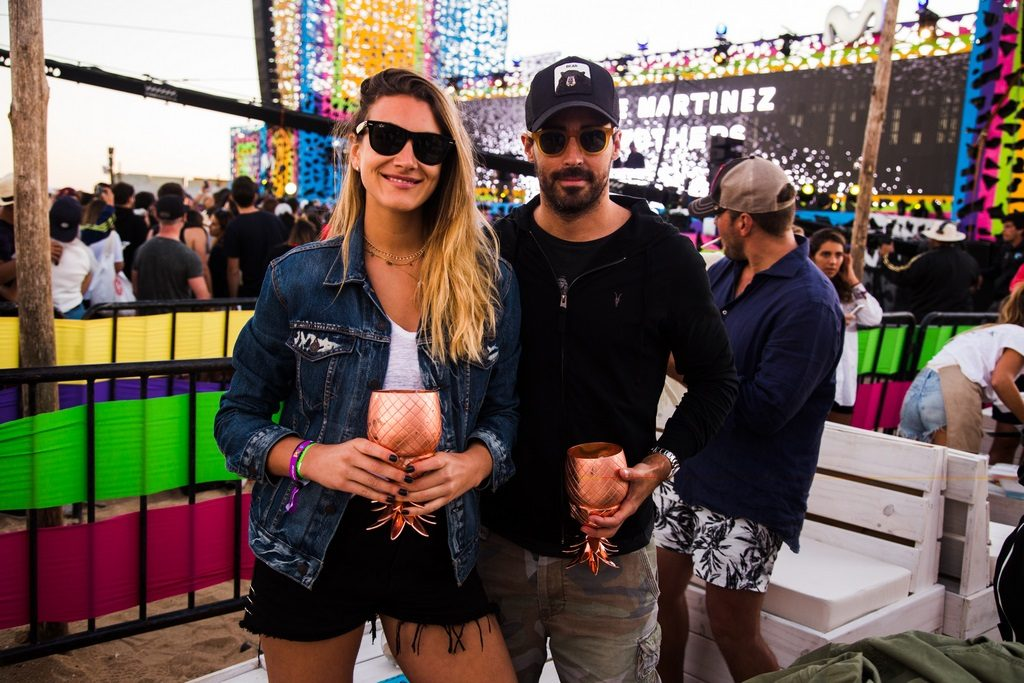 Nacho Viale & Lucía Pedraza en Absolut Elyx PESF