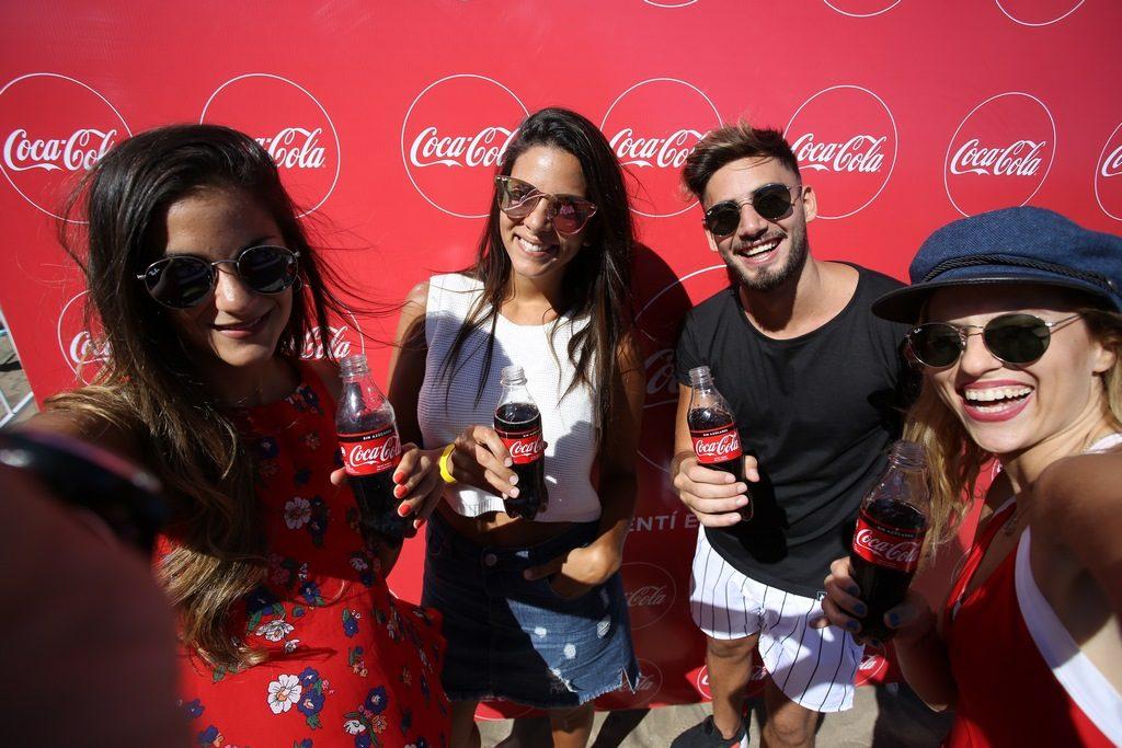 Nicolás Occhiato, Valentina Salezzi y las hermanas Lucius disfrutaron la nueva Coca-Cola Sin Azúcar