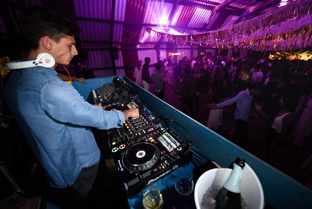 Otto Bunge DJ de la Chandon At Home Punta del Este