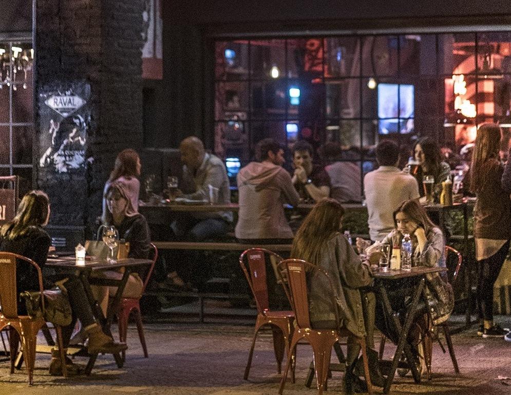 Raval Warehouse Lo mejor de la cocina callejera en el bajo San Isidro