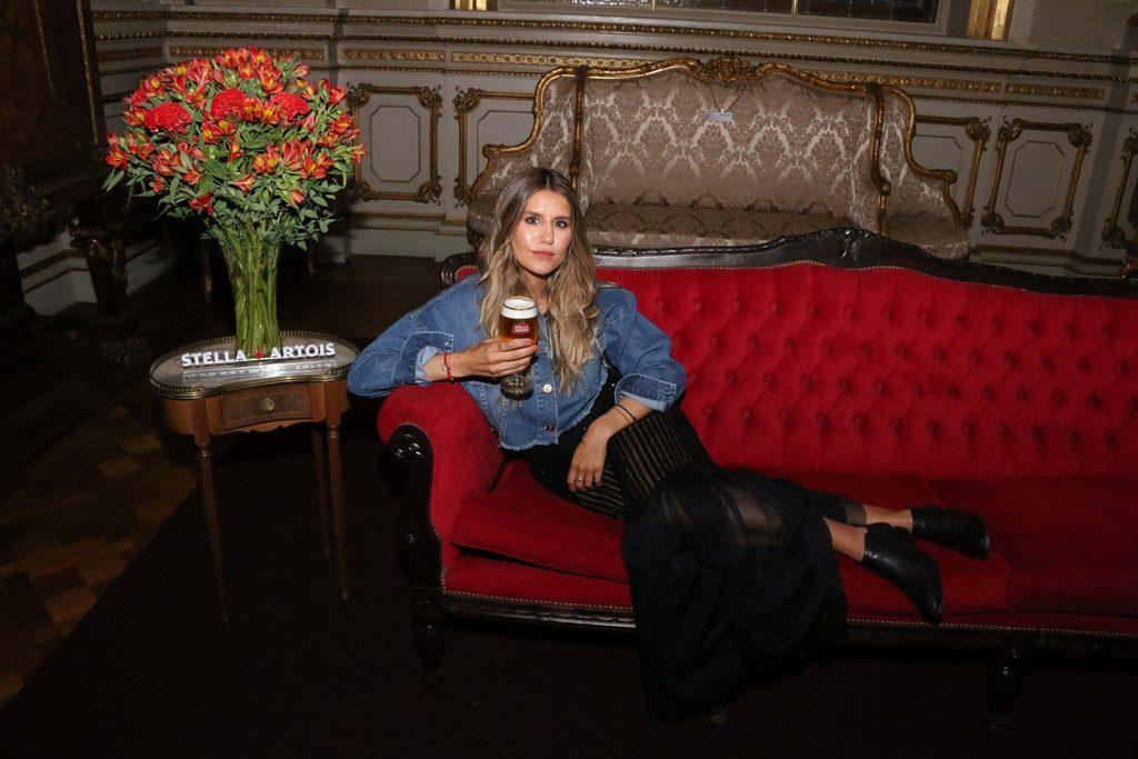 Mica Tinelli en el cocktail de Stella Artois en el marco de Connected en el Teatro Colon