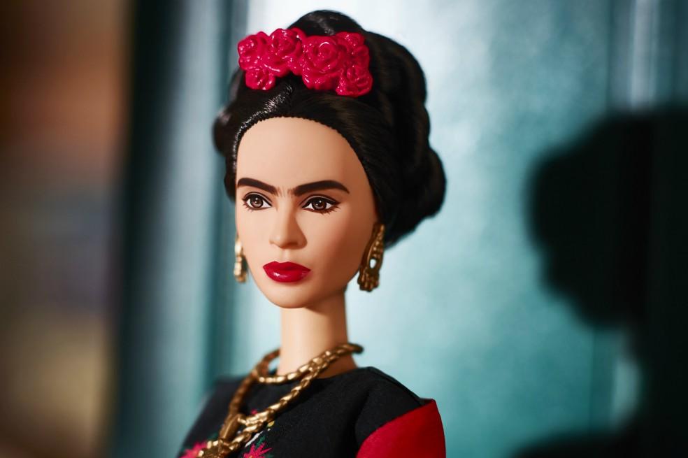 Barbie Frida mujeres inspiracionales (2)