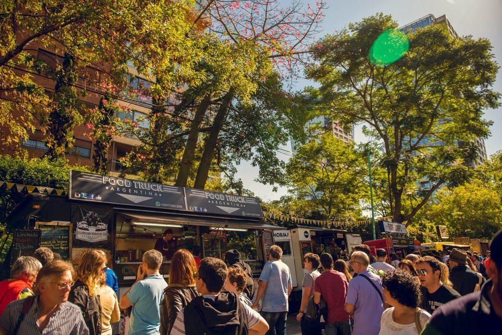 Buenos_Aires_Market_Aniversario_Belgrano_2018_loqueva