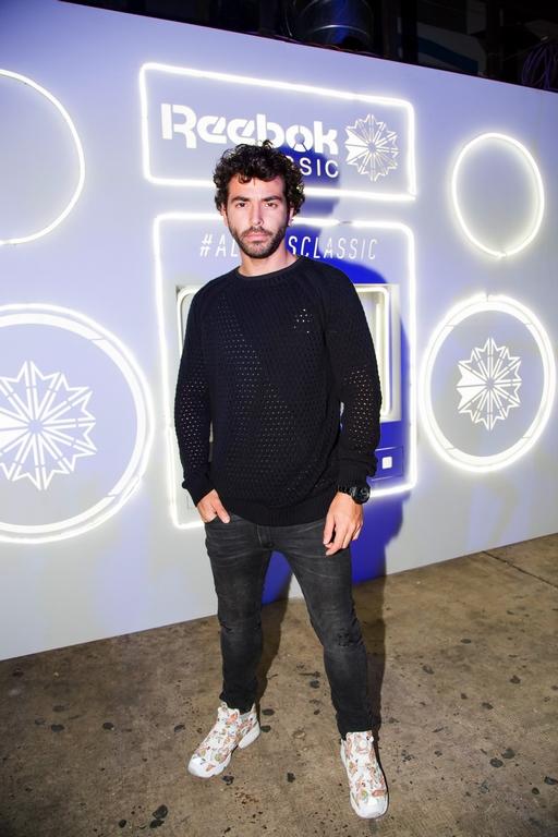 El actor argentino Nazareno Casero se sumó al lanzamiento de las siluetas icónicas de Reebok Classic
