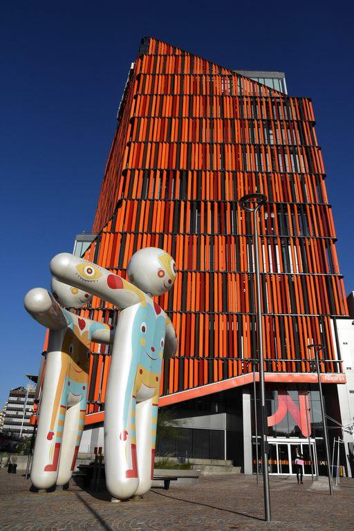 Futuro Volatil Casa Naranja - Cristian Turdera
