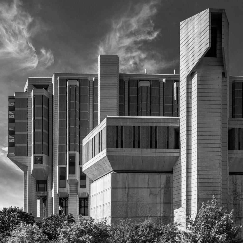 John P. Robarts library, University of Toronto.