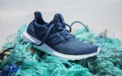 adidas vendió más de un millón de zapatillas hechas con plástico de los oceános