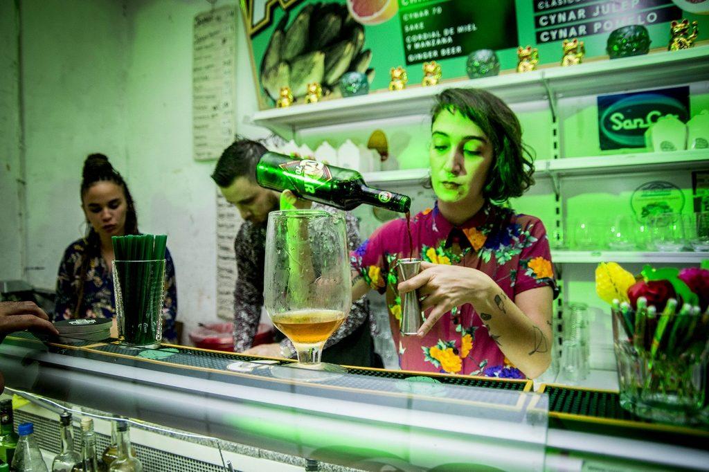 Ani Varela, bartender_CYNAR_ChinoCynar