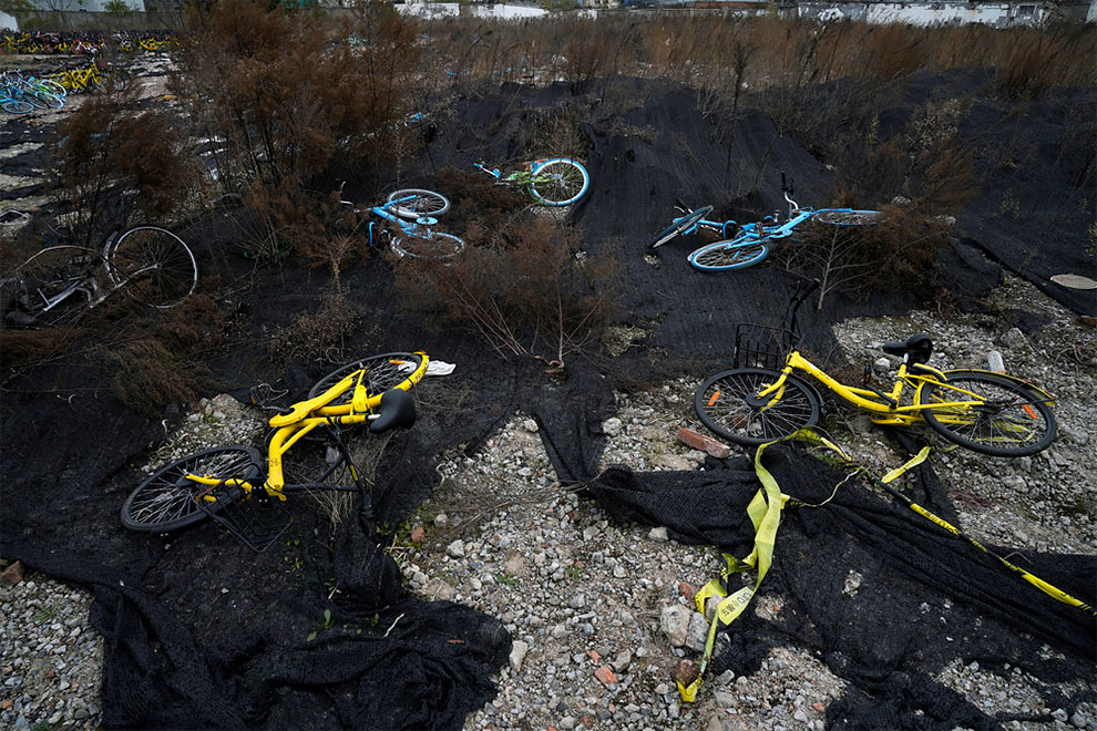 Cementerios bicicletas compartidas en china (12)