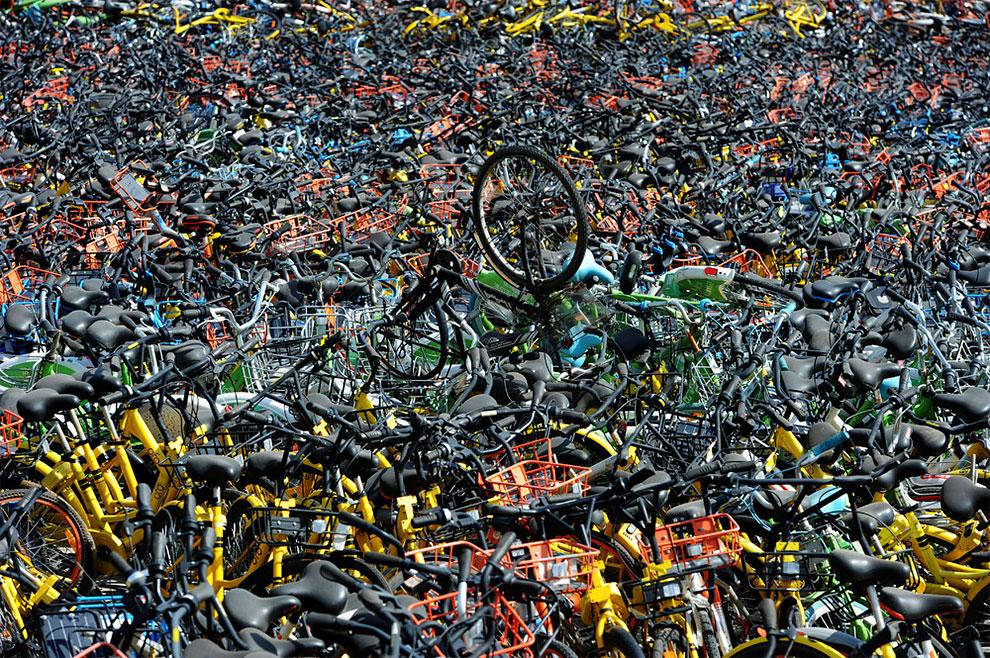 Cementerios bicicletas compartidas en china (3)