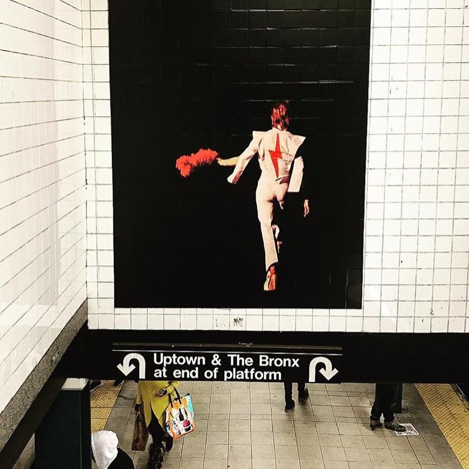 David Bowie invadió una estación de subte de Nueva York (1)