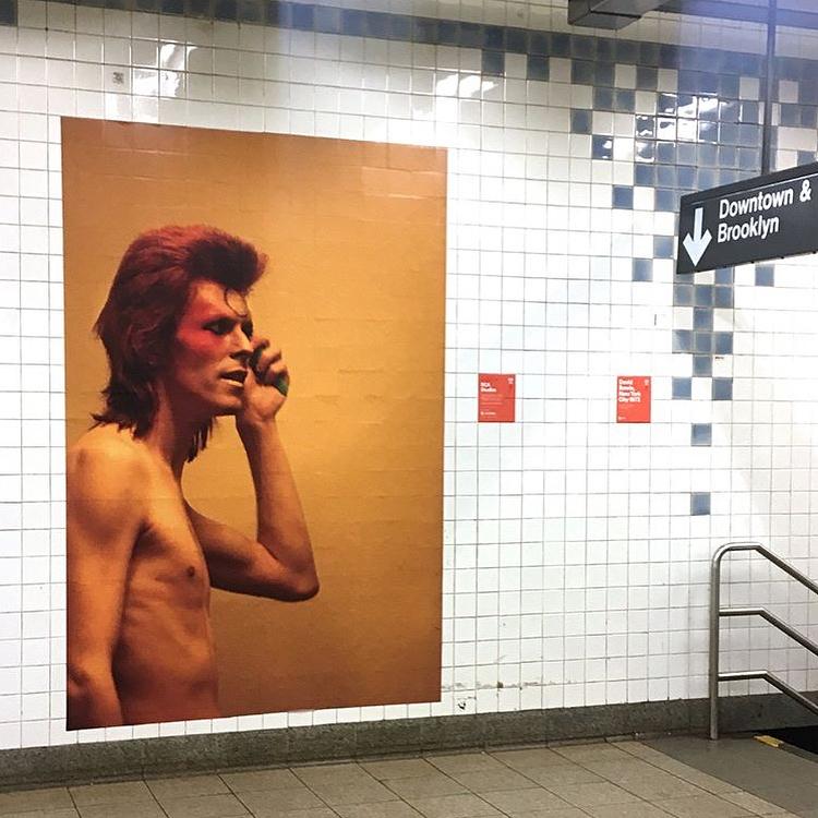 David Bowie invadió una estación de subte de Nueva York (7)