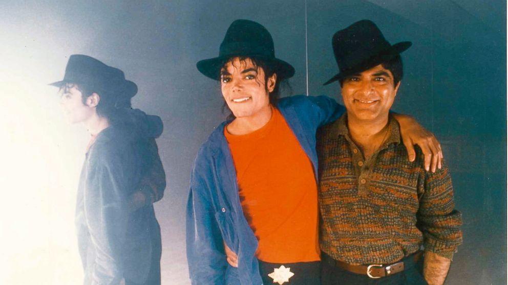 Deepak Chopra junto a Michael Jackson