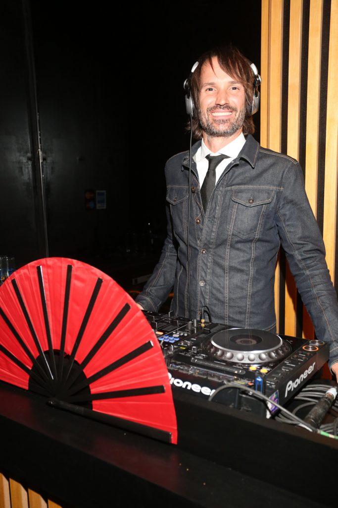 El DJ Ale Lacroix en acción