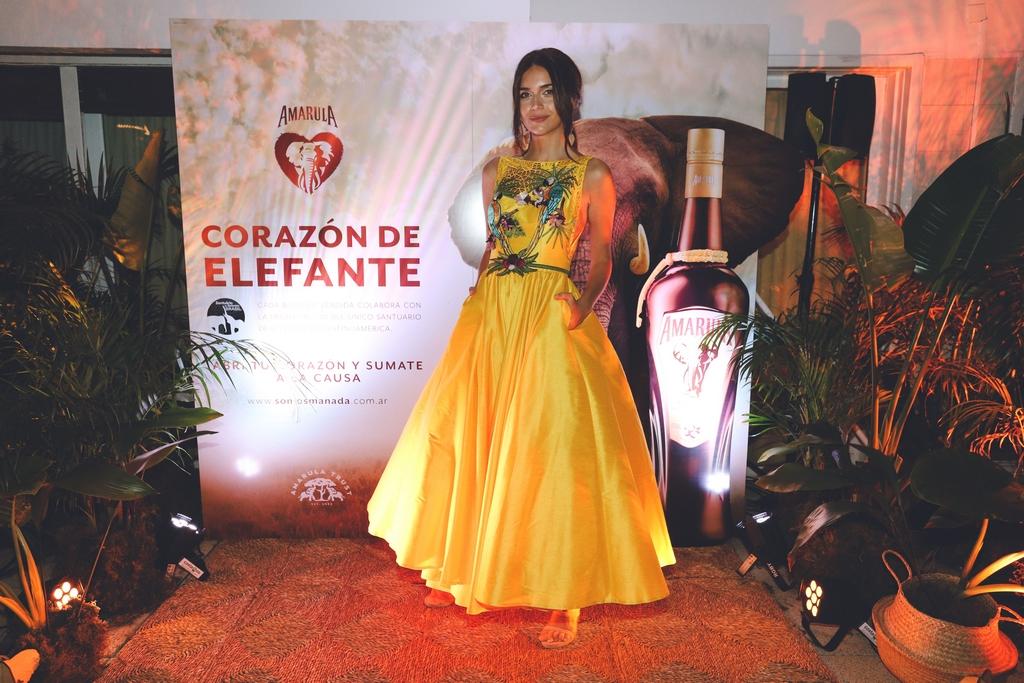 La conductora Zaira Nara, embajadora de la nueva campaña solidaria Corazón de Elefante de Amarula