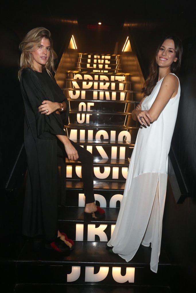 Maria Del Cerro y Luli Fernandez en la apertura de Johnny B Good Palermo
