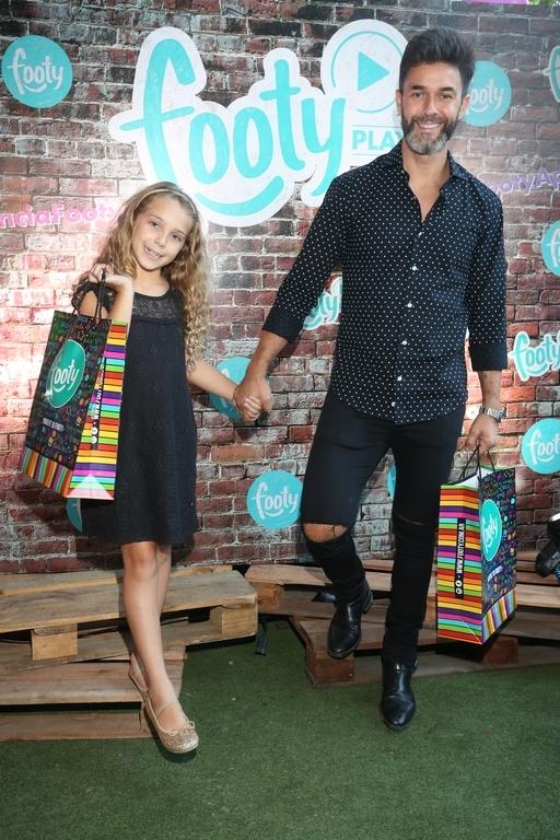Mariano Martinez y su hija Olivia en FOOTY