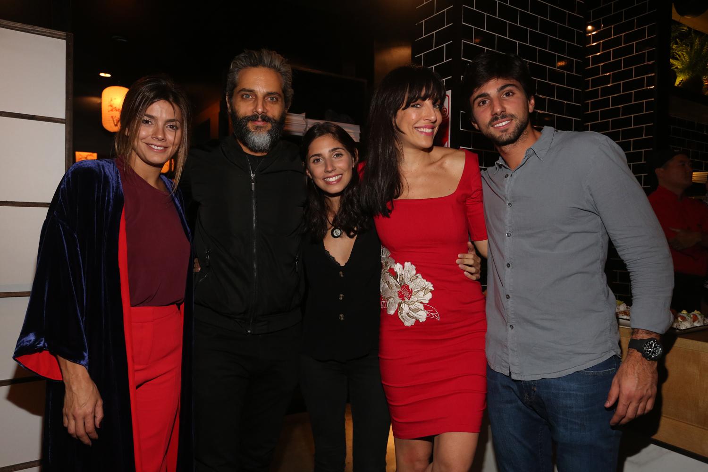 Natalie Perez, Joaquín Furriel, Zoe y Sebas Hochbaum, y Paula Kohan