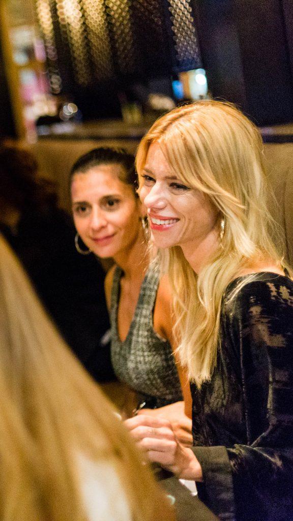 Nicole Neumann acompañada de sus amigas