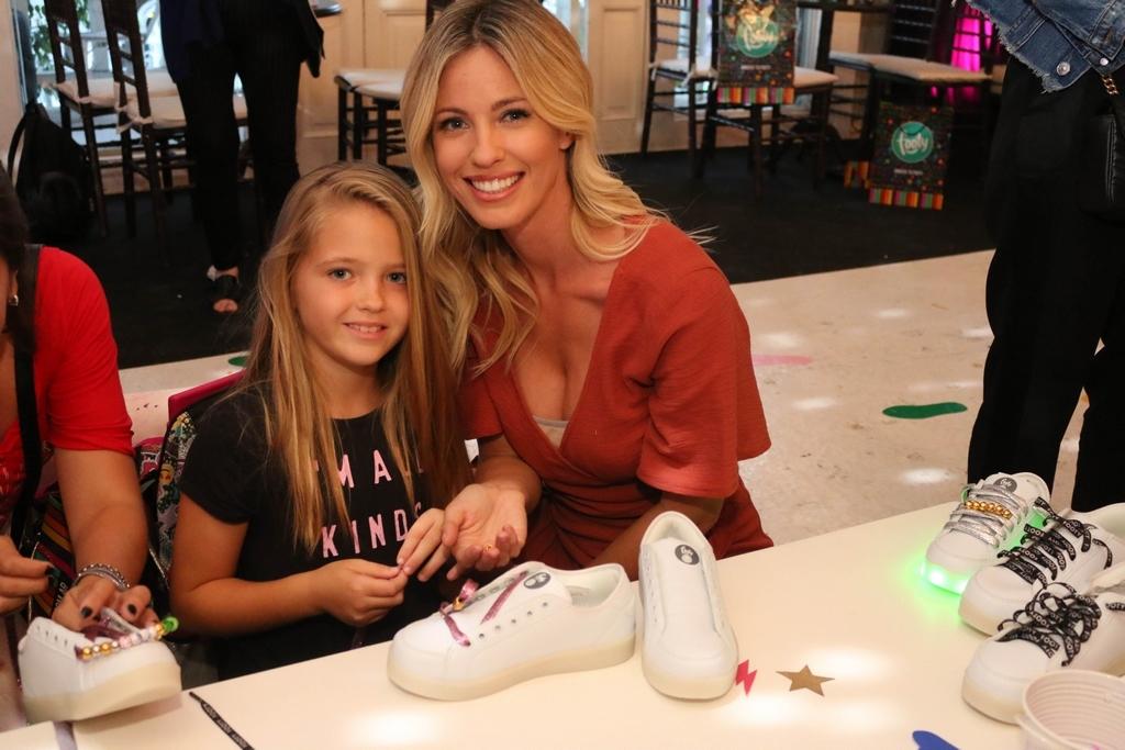 Rocio Guirao Diaz y su hija Aitana en FOOTY