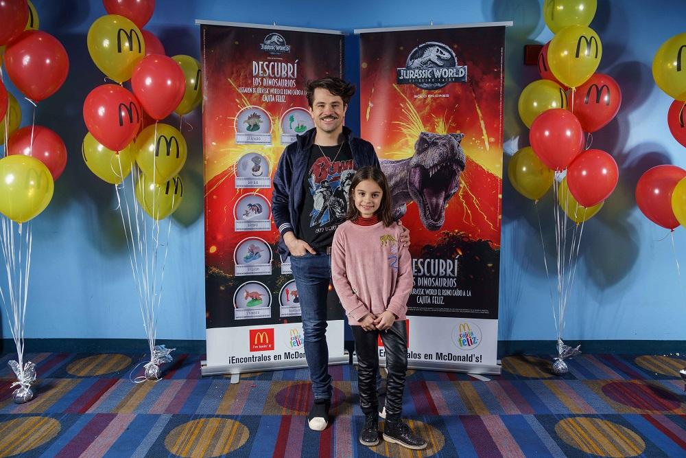 Felipe Colombo y su hija Aurora en la Avant Premiere de Jurassic World