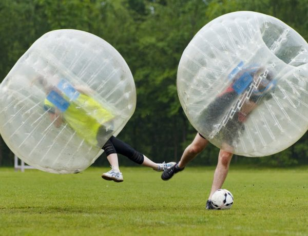 Williamsburg invita a jugar al Bubble Soccer