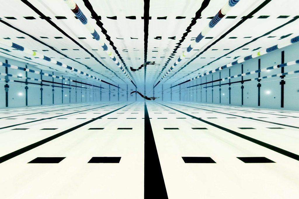 Alex Voyer y Alex Roubaud under pool debajo del agua loqueva (12)