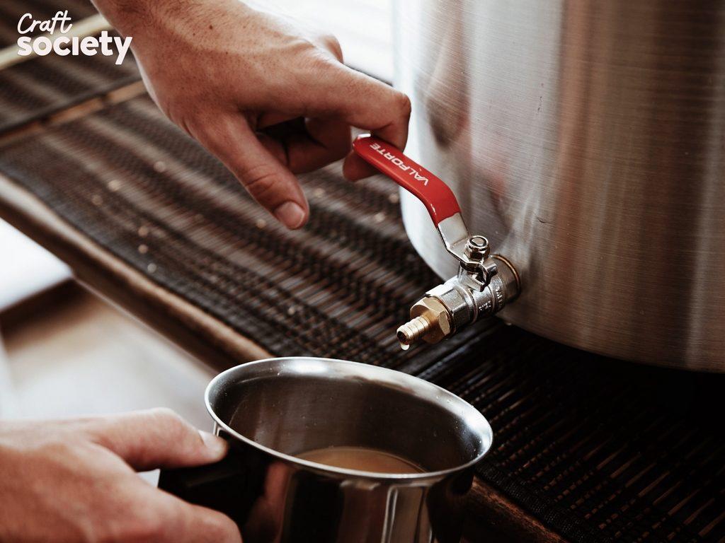 Craft Society lanza nuevos packs para hacer cerveza en tu casa