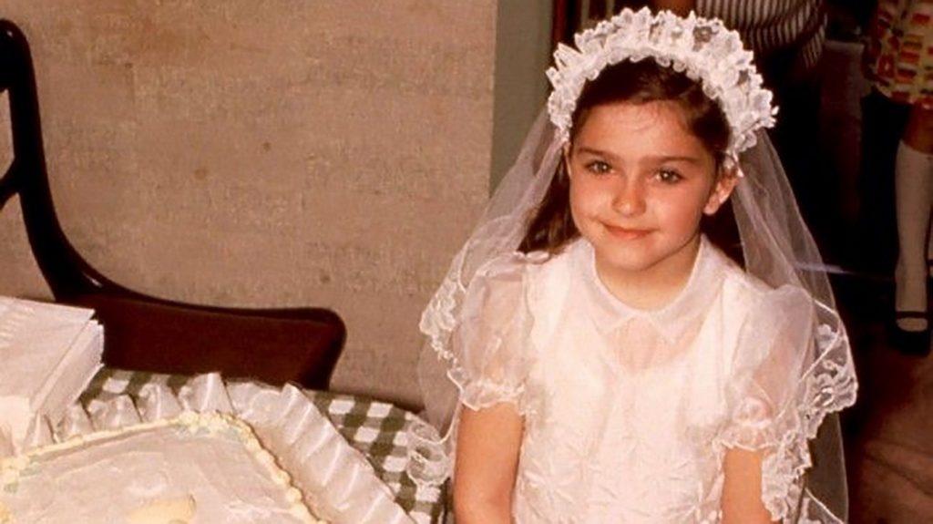 1 Madonna Louise Veronica Ciccone, nació el 16 de agosto de 1958 en Bay City, Michigan. En esta foto, tenía cuatro años