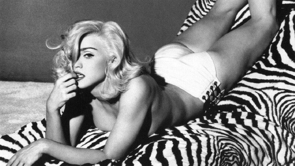 34 El libro fue récord en ventas. Una vez más la reina del pop traía a escena la sexualidad placentera