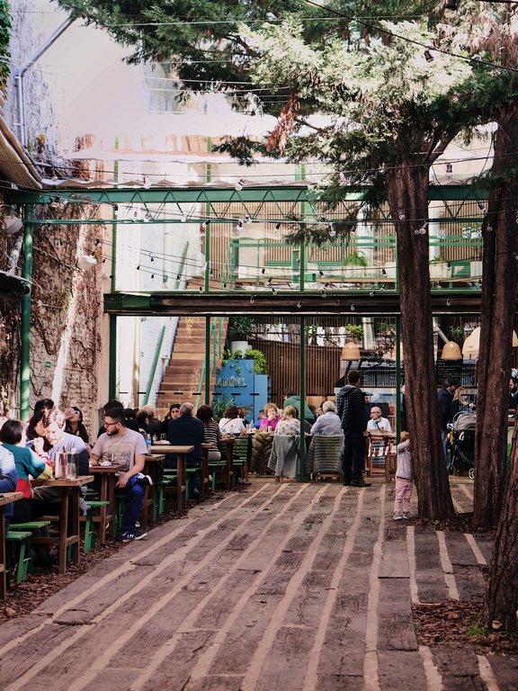 Abrió Jagüel, el primer patio parrillero de la ciudad