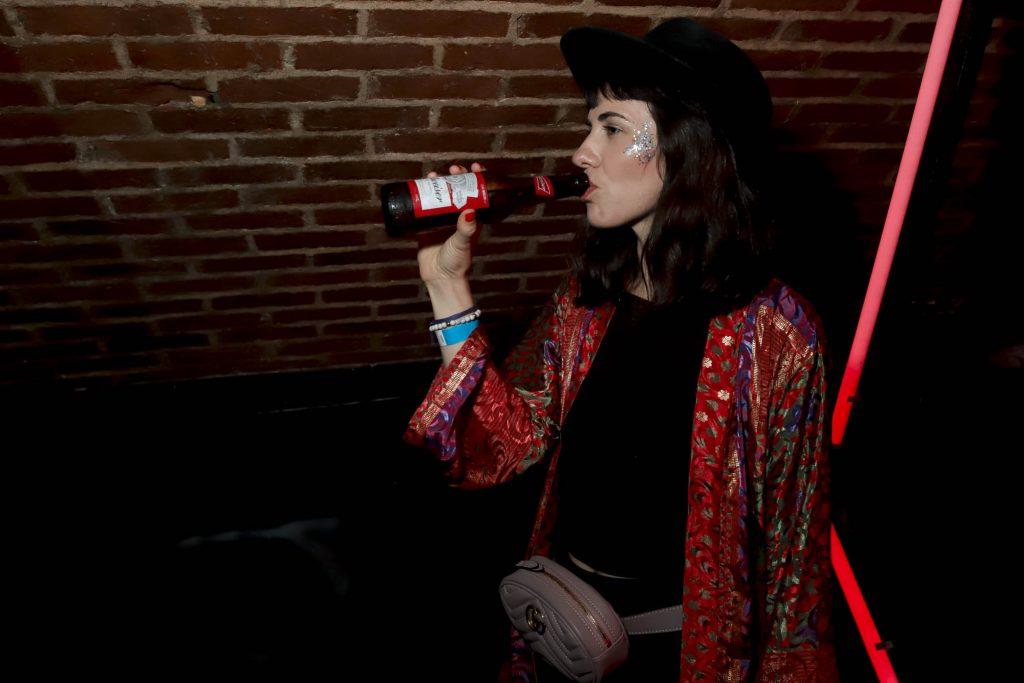 Alucination XX Crobar Budweiser (21)