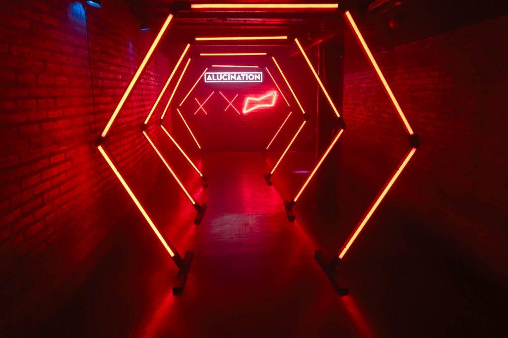Alucination XX Crobar Budweiser (31)