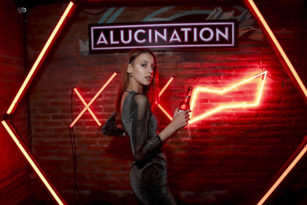 Alucination XX Crobar Budweiser (4)