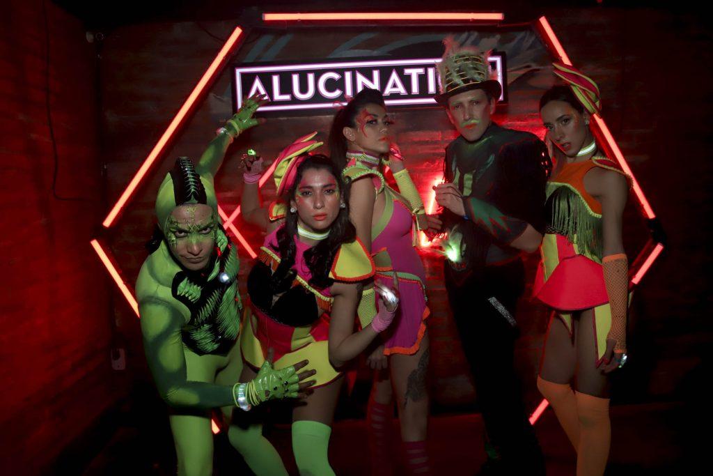 Alucination XX Crobar Budweiser (40)