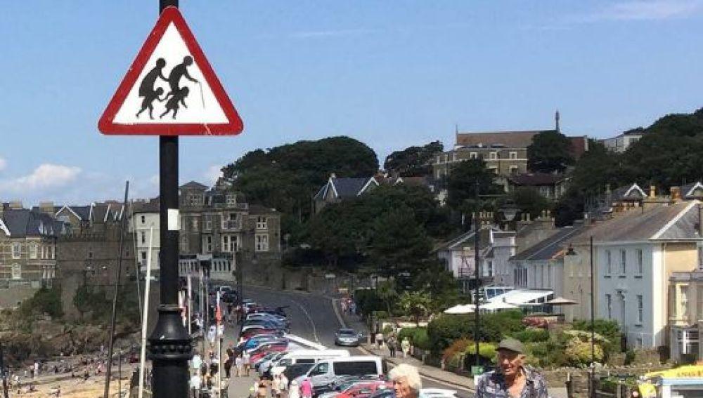 Banksy señal de transito street art  (3)