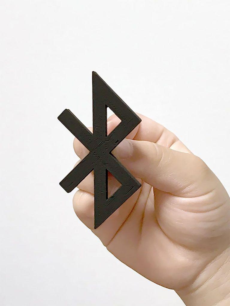 Diseñador convierte logos famosos en objetos de todos los dias con impresion 3d (18)