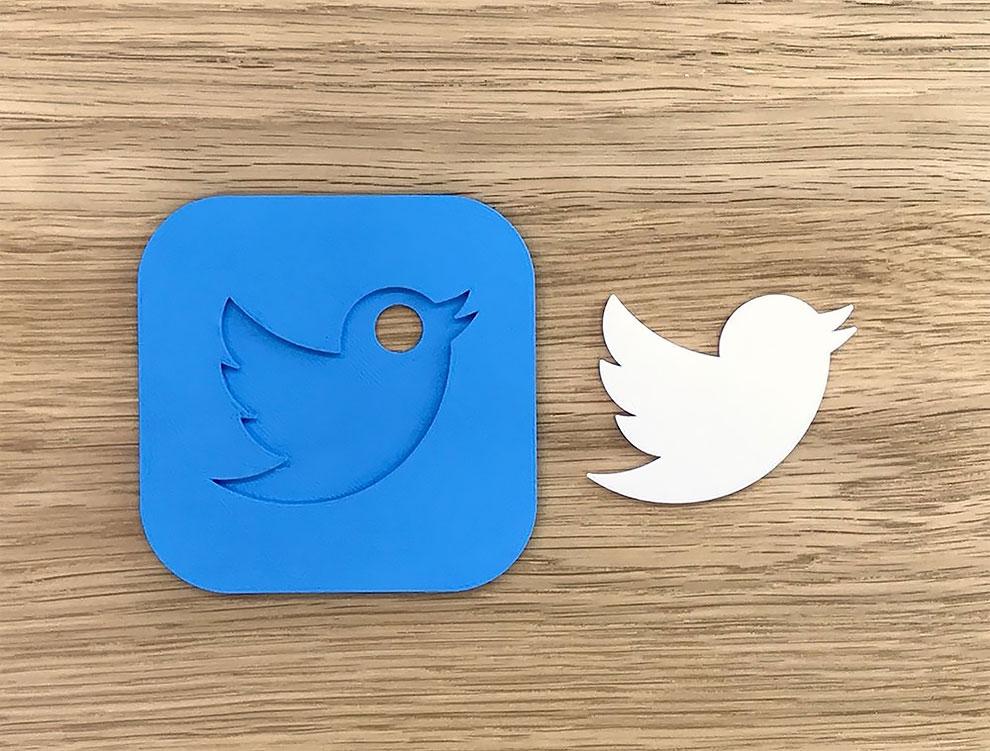 Diseñador convierte logos famosos en objetos de todos los dias con impresion 3d (31)