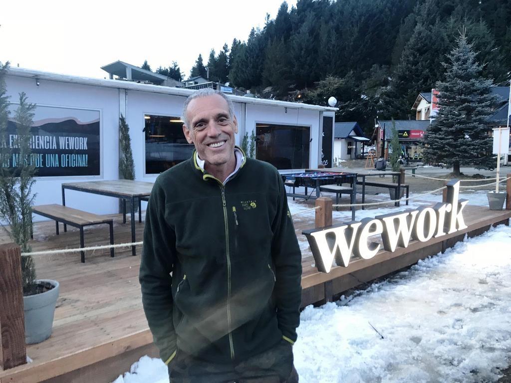Giorgio Alliata pasó a conocer WeWork Winter Experience, un espacio diseñado para conectarse, en la base del Cerro Catedral