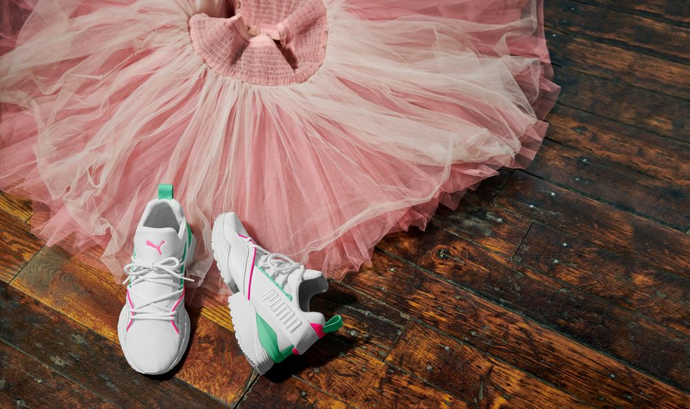 LOW-RES Not for Production-18AW_SP_NYCB_Product_Q3-Muse_Maia_Street_0059_RGB-2