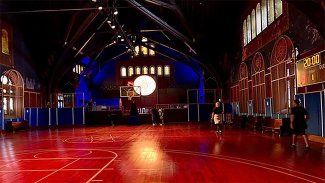 Nike convierte una iglesia de Chicago en una cancha de básquet