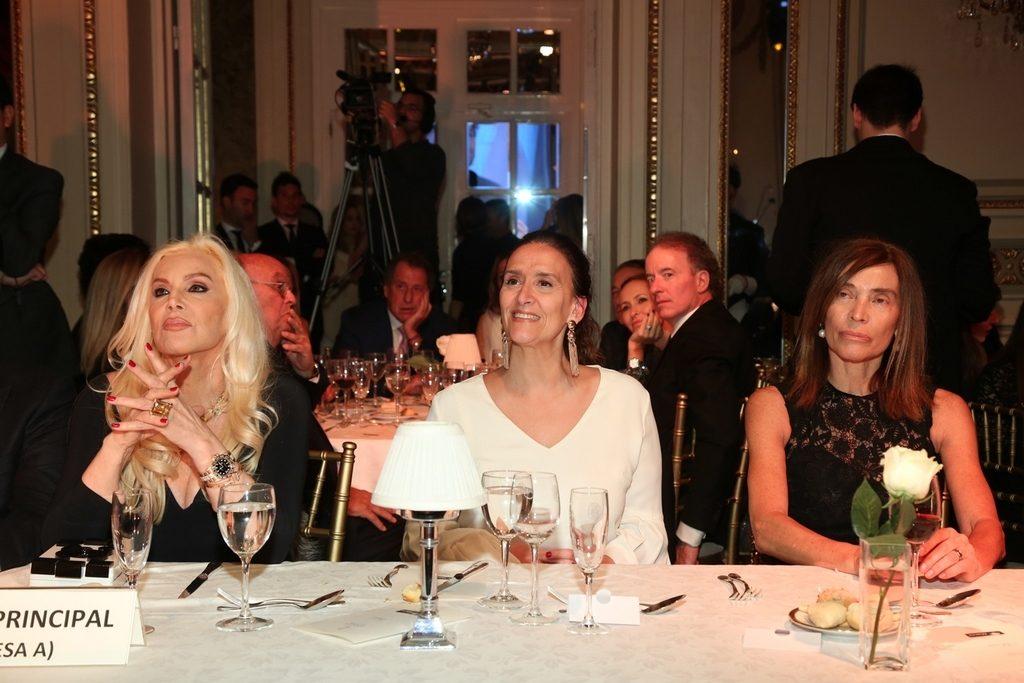 Susana Gimenez, Gabriela Michetti y Estela Zaldivar en la Gala solidaria de la Fundación Zaldivar