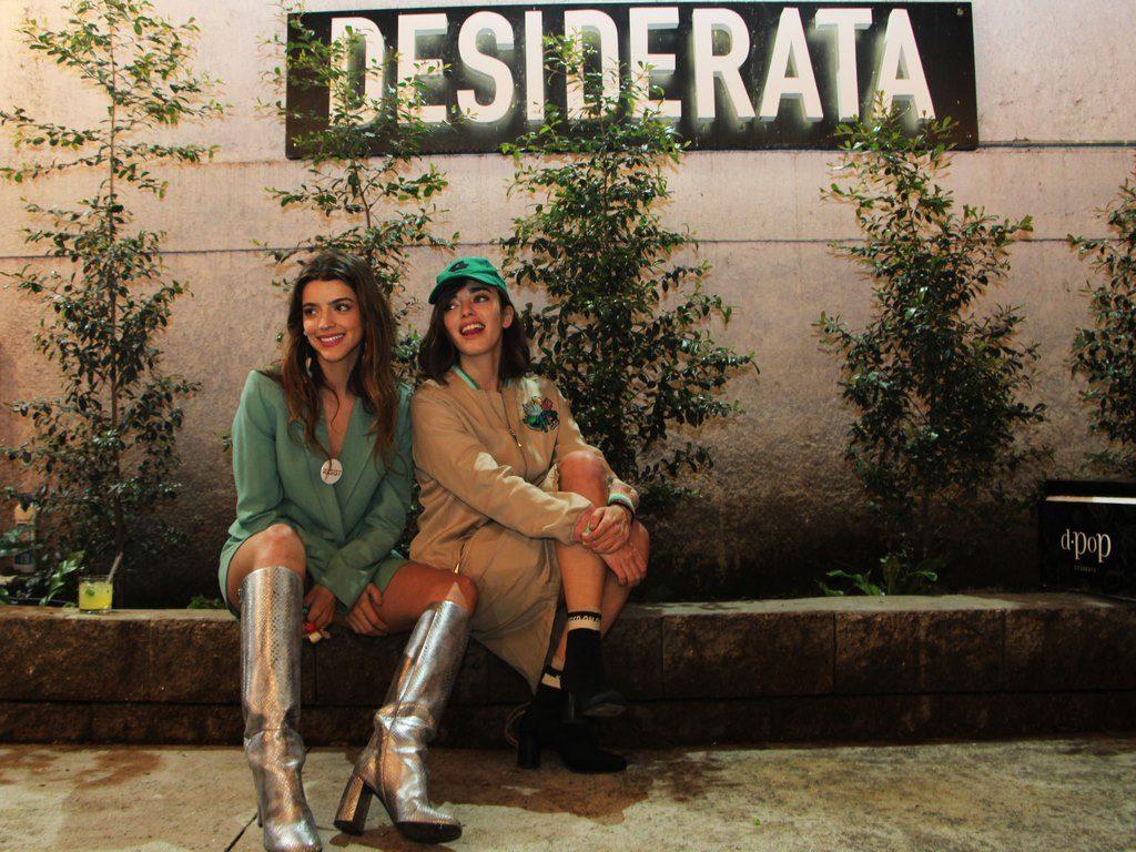 Calu Rivero y Belen Chavanne divertidas en el evento de Desiderata