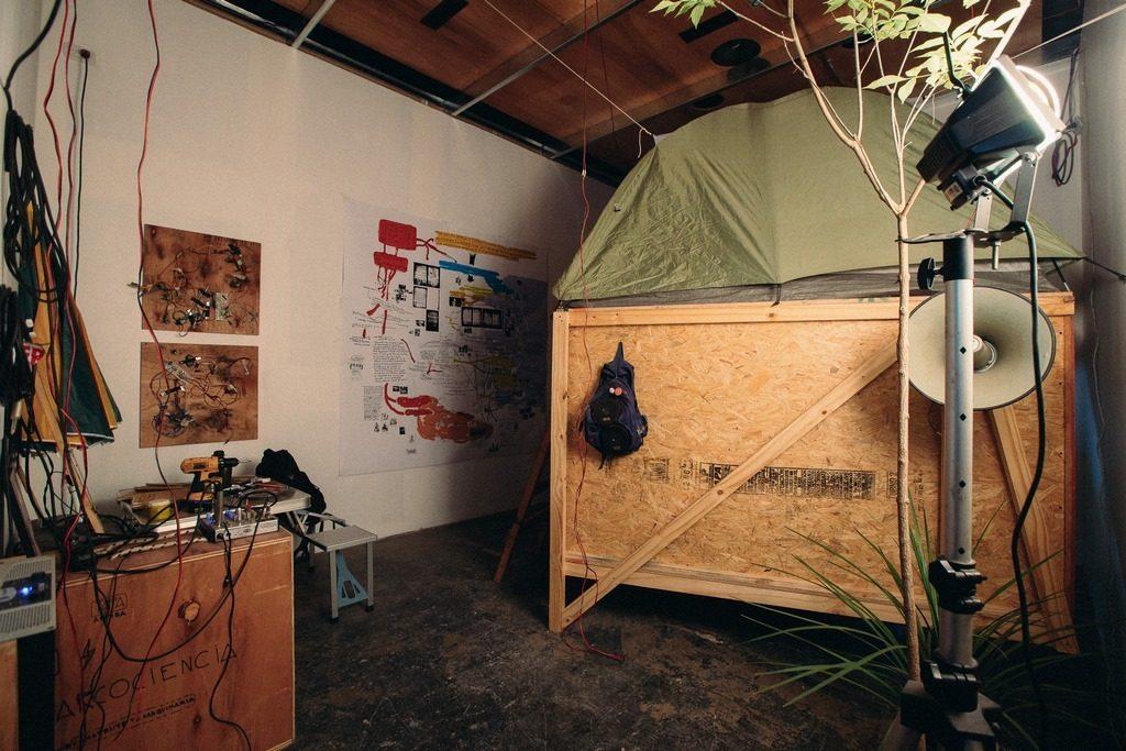 Leonello Zambón -Campamento Temporario en Territorio Desconocido