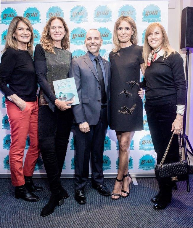 Teresa Calandra, Ginette Reynal, Rossella della Giovampaola y Marina Borensztein junto a Javier López en la presentación de su libro Gout Gluten Free